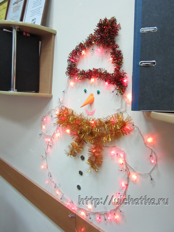 Новогоднее украшение офиса фото
